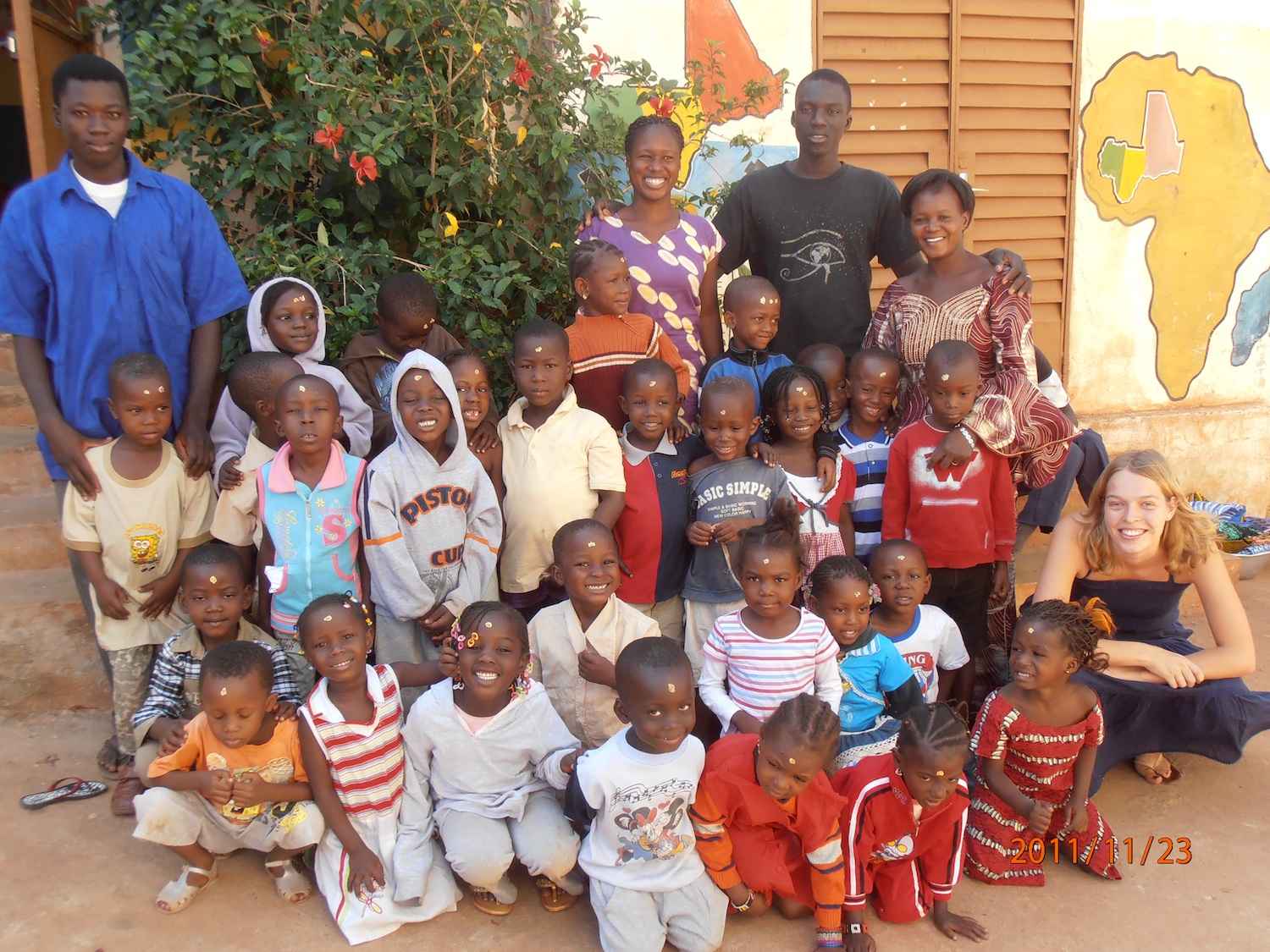 The children of the Ciwara school with their teachers
